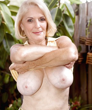Need's some georgette parks mature milf fucking
