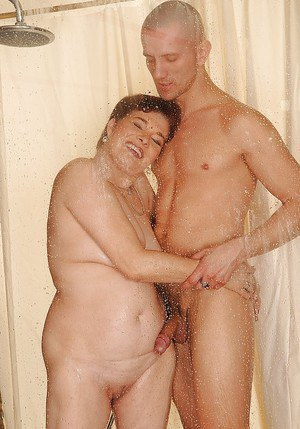 Granny In The Shower 20