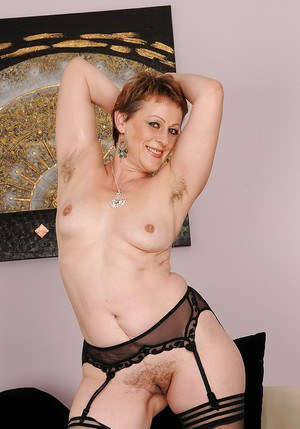 Free archive of amateur girl peep show