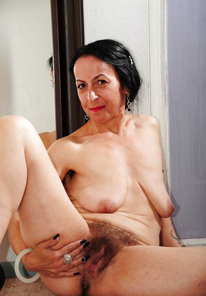 Hairy Granny Fannies 70