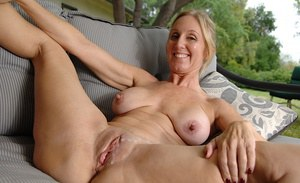 Video Clips Of Mature Tits And Fannies 31