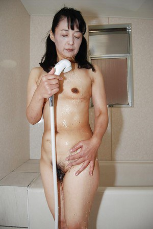 Granny In The Shower 105