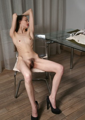 Slim nude mature from behind — img 13