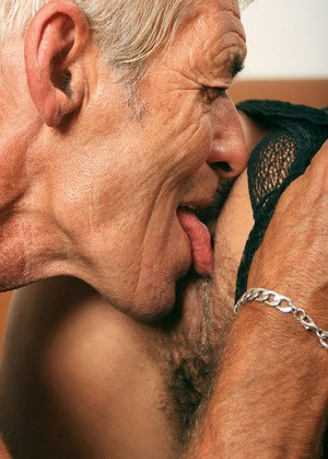 Pussy granny Eating shaved